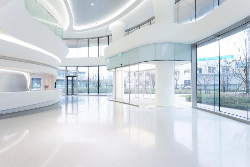 Eingangsbereich modernes Bürogebäude